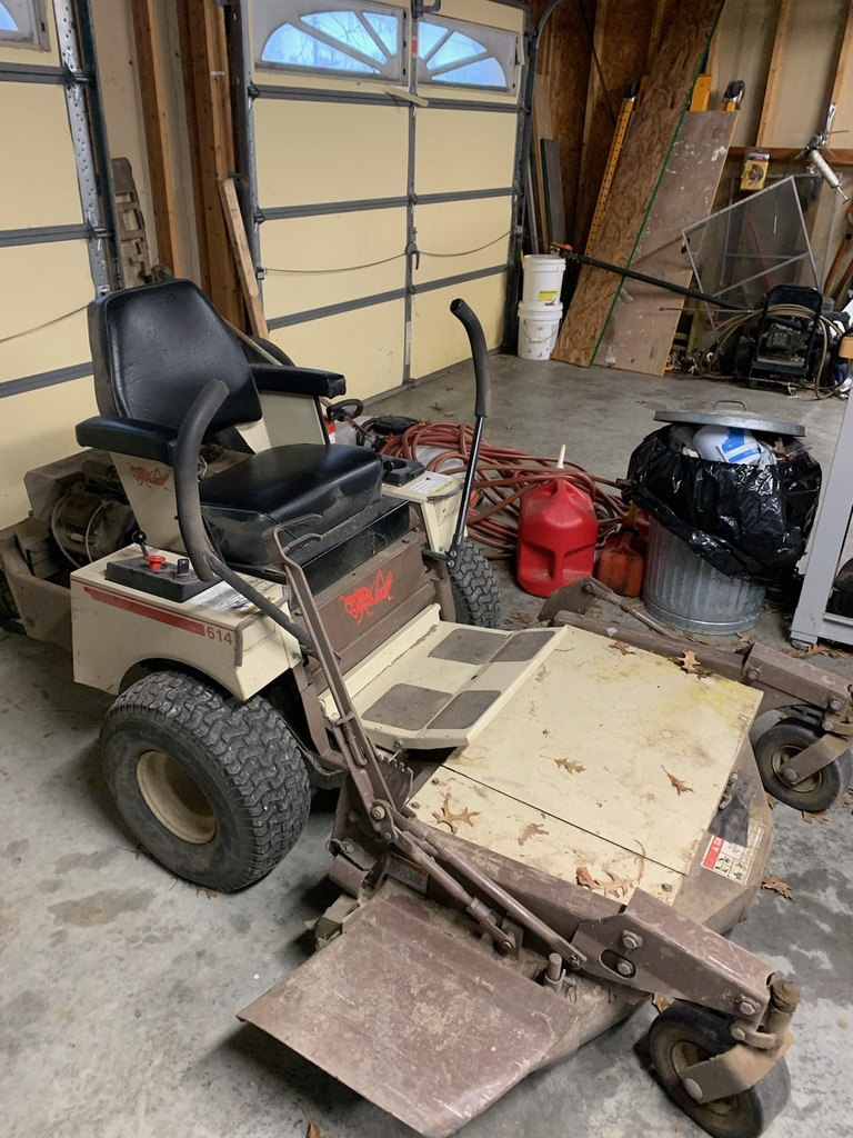 1999 Grasshopper Mower (14 hp)